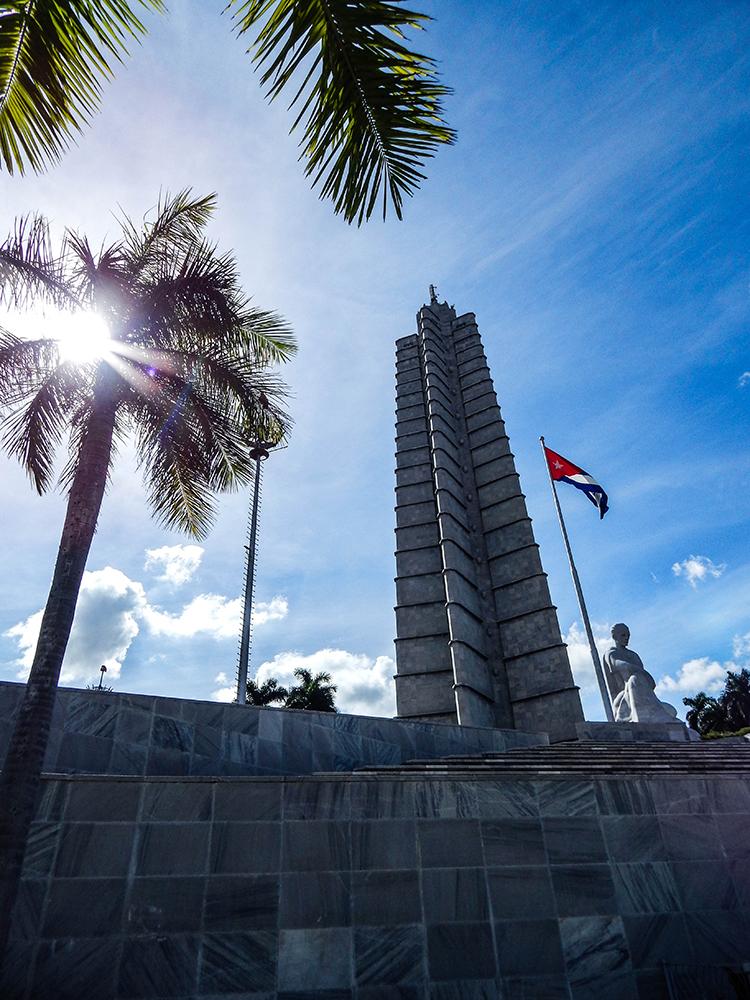 Low Budget Kuba Rundreise La Habana - Plaza de la Revolucion - Foto 01