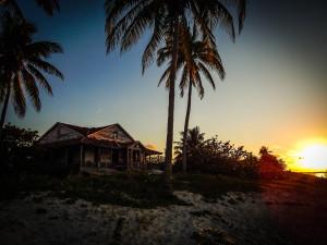 Kuba Rundreise - Varadero - Haus am Strand bei Sonnenuntergang