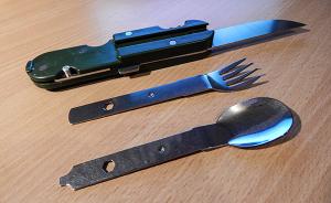 Outdoor Essen Essbesteck - Messer, Gabel und Löffel in der Einzelansicht