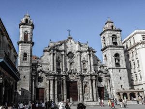 Low Budget Kuba Rundreise La Habana Vieja - La Cathedral
